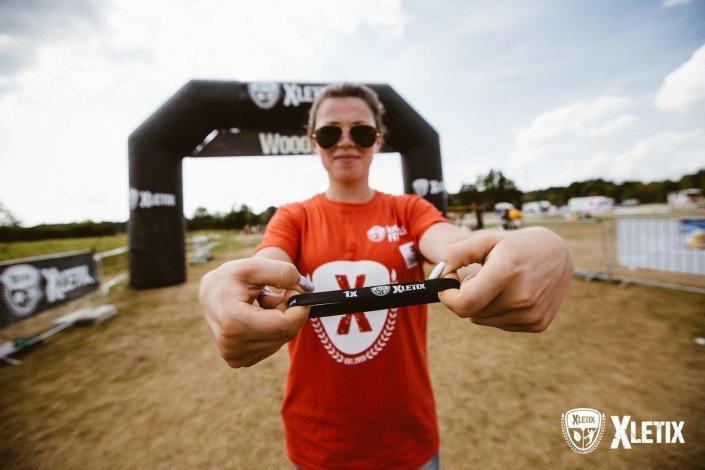 Ein LEGENDS Armband, das anzeigt wie oft du bereits erfolgreich eine XLETIX Challenge überstanden hast